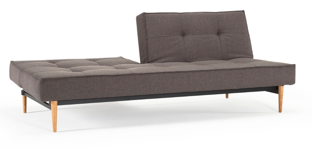 Splitback bäddsoffa, klädd i tyg 216 Flashtex Dark Grey, med Styletto Light Wood ben
