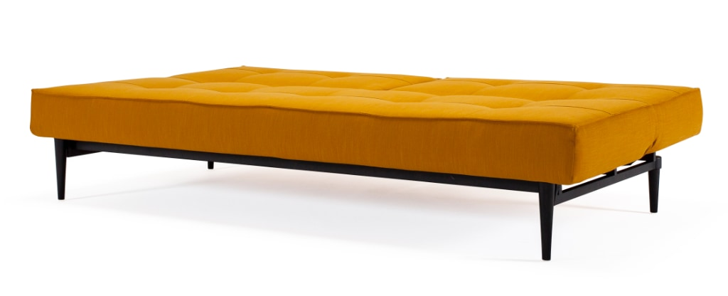 Splitback bäddsoffa, klädd i tyg 507 Elegance Burned Curry, med Styletto Dark Wood ben
